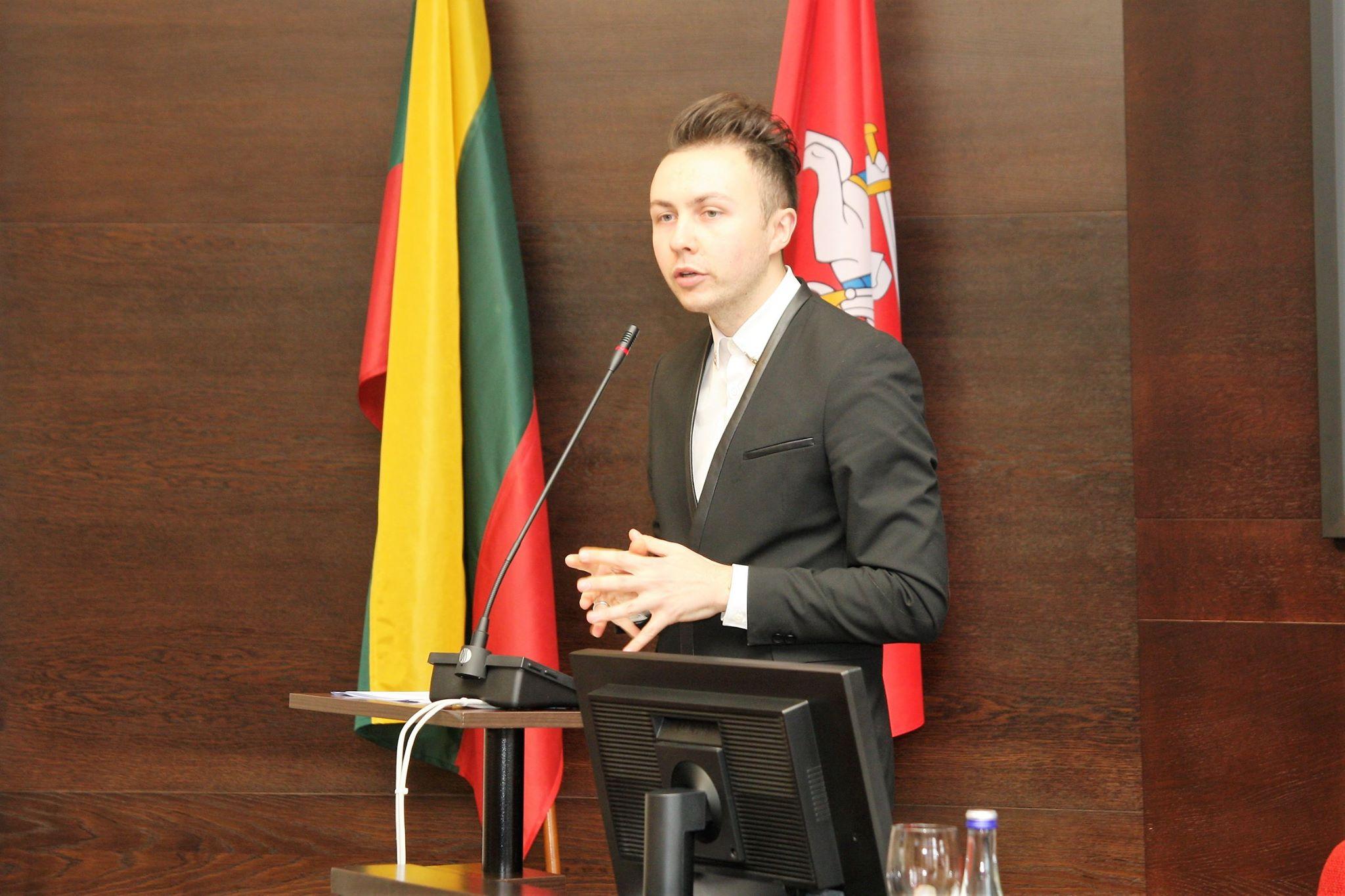 Ką reiškia būti teisininku ir vykdyti teisinio švietimo projektą Lietuvoje
